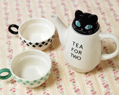 Tea for Two Black Cat by Shinzi Katoh
