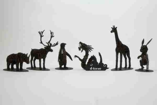 Penguin 3D Cardboard Figurine by d-Torso
