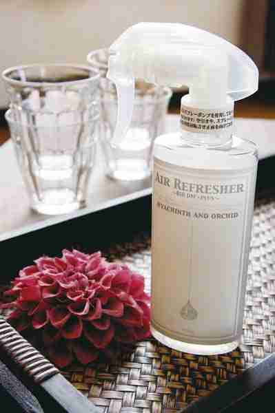 Hand Pump Air Refresher with BIO DM+Plus by ArtLab Japan - Freesia and Peach