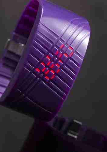 Untrod Madokadoke Wrist Watch Purple