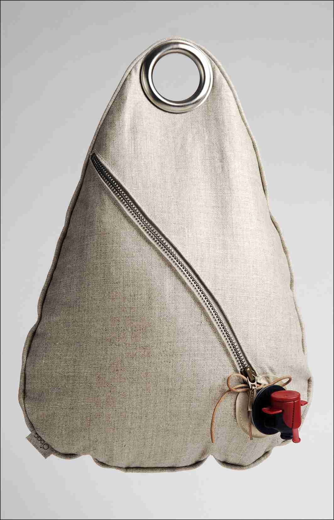 The Obag - 3L Wall Hanging Wine Bag in Natural Colour with Hook